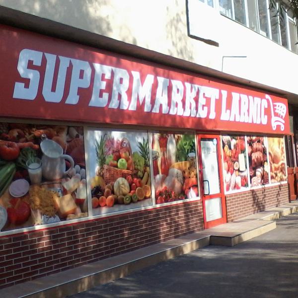 autocolante_geamuri_magazin_alimentar_larnic